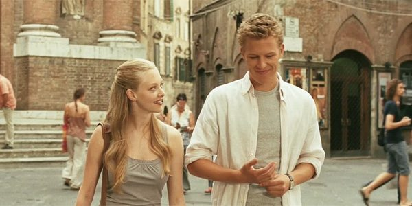 letters-to-juliet-christopher-egan-1-600x300